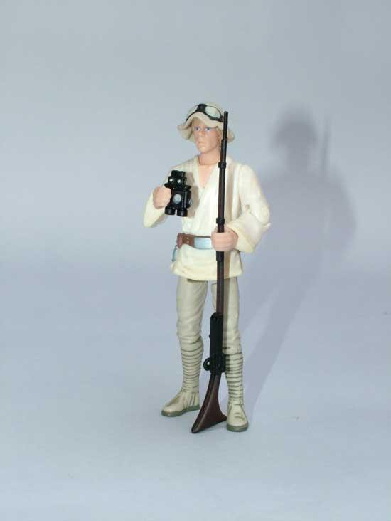 ce9ec81bd5 A film kivágott jelenetét alapul véve készült el, a kis sapival, a  távcsővel és a már jól ismert hosszú csövű puskával az ...